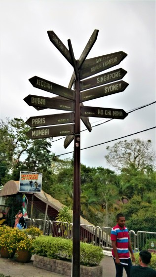 Where to? (photo credit : Shah Said ; @ all rights reserved)