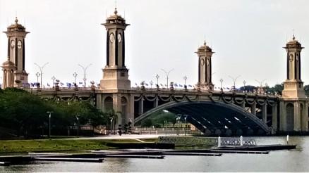 The Seri Gemilang bridge. one of the nine (9) notable bridges of Putrajaya, that spans across the man-made lake of Tasik Putrajaya. (photo credit : Shah Said ; @ all rights reserved)