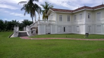 The Istana Bandar, the royal residence of Sultan Alaeddin Sulaiman Shah. Restoration works have been launched to rehabilitate Istana Bandar as part of efforts to preserve legacies of past Rulers. (photo credit : Shah Said ; @ all rights reserved)