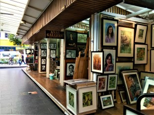 Artists' Row (photo credit : Shah Said ; @ all rights reserved)