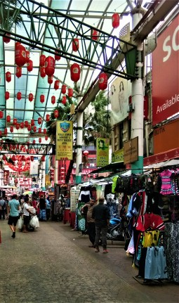 Petaling Street. (photo credit : Shah Said ; @ all rights reserved)