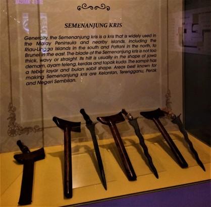 The Keris Semenanjung - Exhibit from The Sultan Alam Shah Museum, Shah Alam, Selangor. (photo credit : Shah Said ; @ all rights reserved)