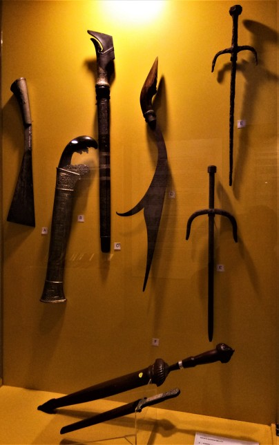 Exhibit from The Sultan Alam Shah Museum, Shah Alam, Selangor : (Top L-R) Parang Lading, Parang, Pedang Alamang, Kelewang, Tekpi (2) ; (Bottom) Lading Terus . (photo credit : Shah Said ; @ all rights reserved)