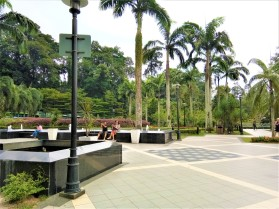 Park at The Tugu Negara. (photo credit : Shah Said ; @ all rights reserved)
