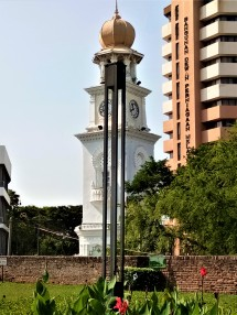 The Queen Victoria Jubilee Clock Tower of George Town. Due to the effects of bombardments during World War II, the Jubileel Clock Tower has leaned slightly off its vertical axis, as evidenced by the steel marker. (photo credit : Shah Said ; @ all rights reserved)