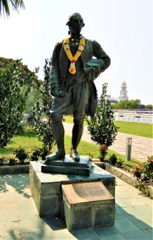 The statue of Sir Francis Light. It is a significant fact that when the statue of Sir Francis Light was being commissioned, there was no portrait or image of Sir Francis Light available to be used as reference. Instead, the image of Sir Francis Light used during the commissioning of the statue was based on his son, Colonel William Light, who is regarded as the founder of the Australian city of Adelaide. (photo credit : Shah Said ; @ all rights reserved)
