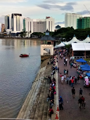Hanging out by the banks of the Kuching waterfront. (photo credit : Shah Said ; @ all rights reserved)