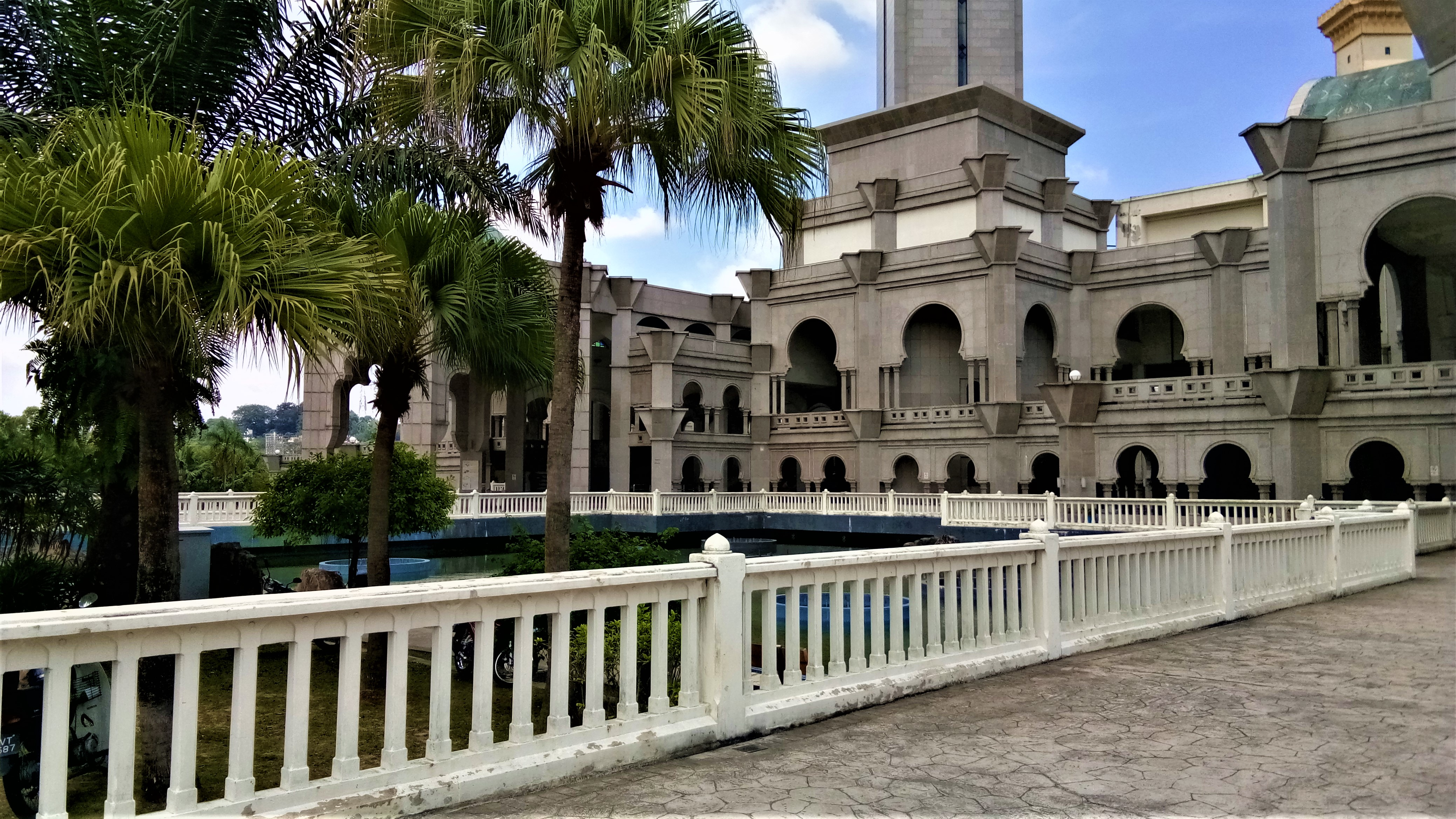 A Mosque's Courtyard : Wilayah Persekutuan Mosque