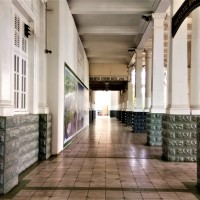 Ipoh Rail Station : The Walkway