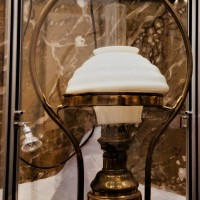 Images Of Yesteryear : Vintage Lamp
